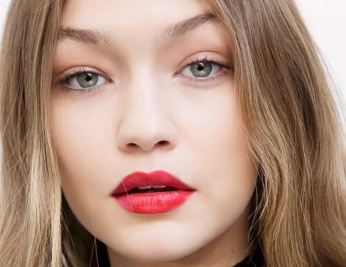 gigi-hadid-red-lipstick