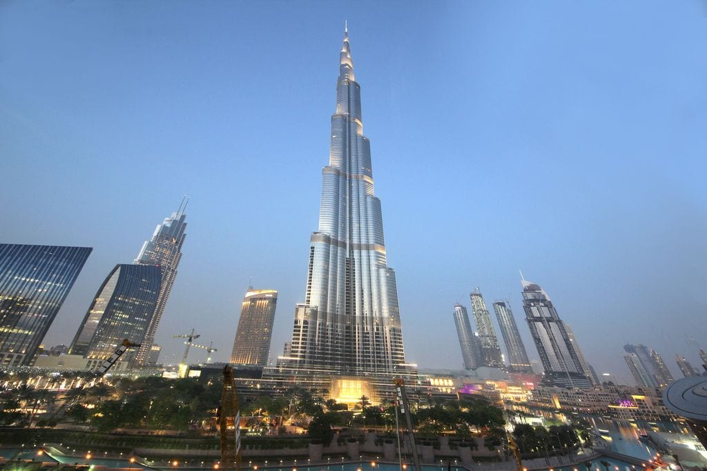 visit the burj khalifa dubai bucket list