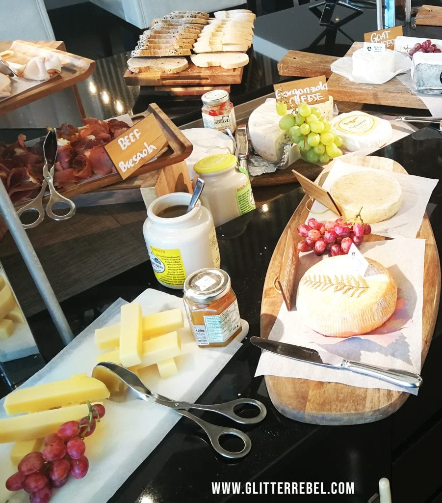 bayside brunch dubai cheese review