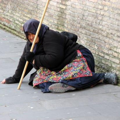 london begger scam tourist tourism