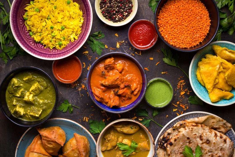 tourist tips dubai cheap food indian restaurant cafes