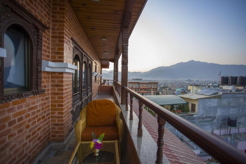 best hotel to stay in kathmandu thamel apsara