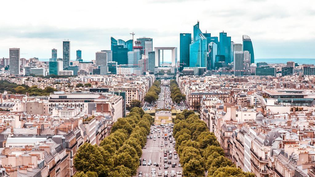 Visit the Financial Heart of Paris at La Defence