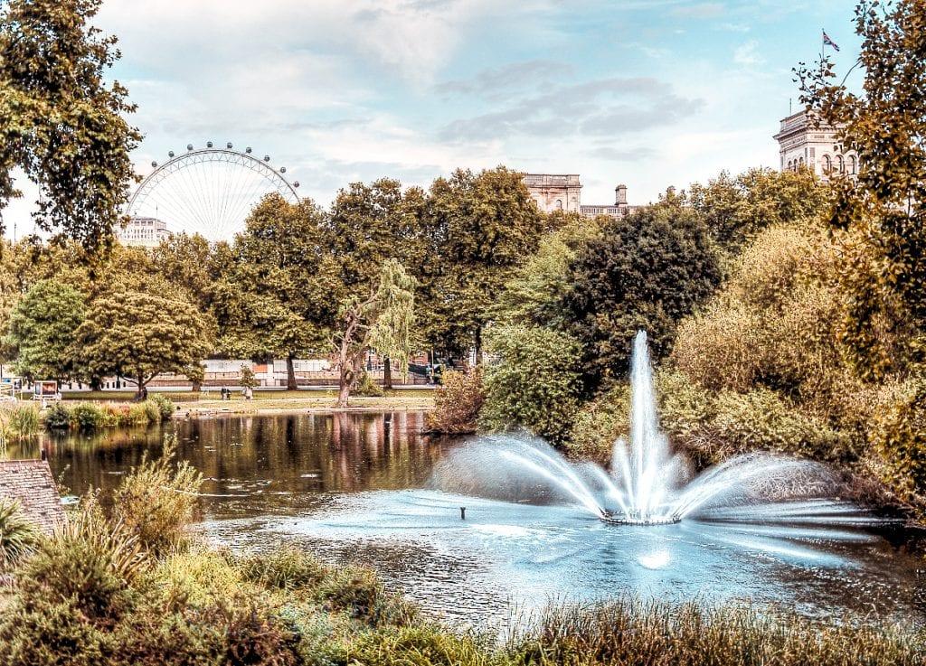 best picnic spots London st james park