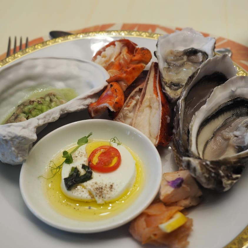 palazzo versace giardano brunch review seafood header image