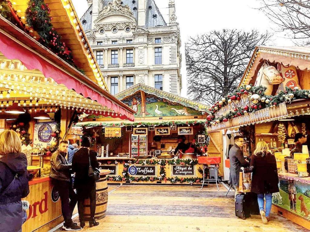 celebrate christmas in paris at the christmas markets