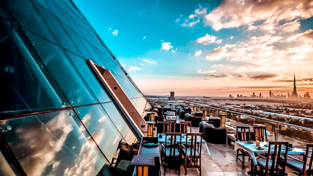 best rooftop bars dubai tomo