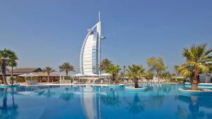 when to travel to dubai