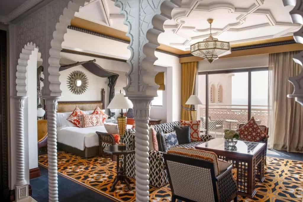 best beach hotels dubai al qasr
