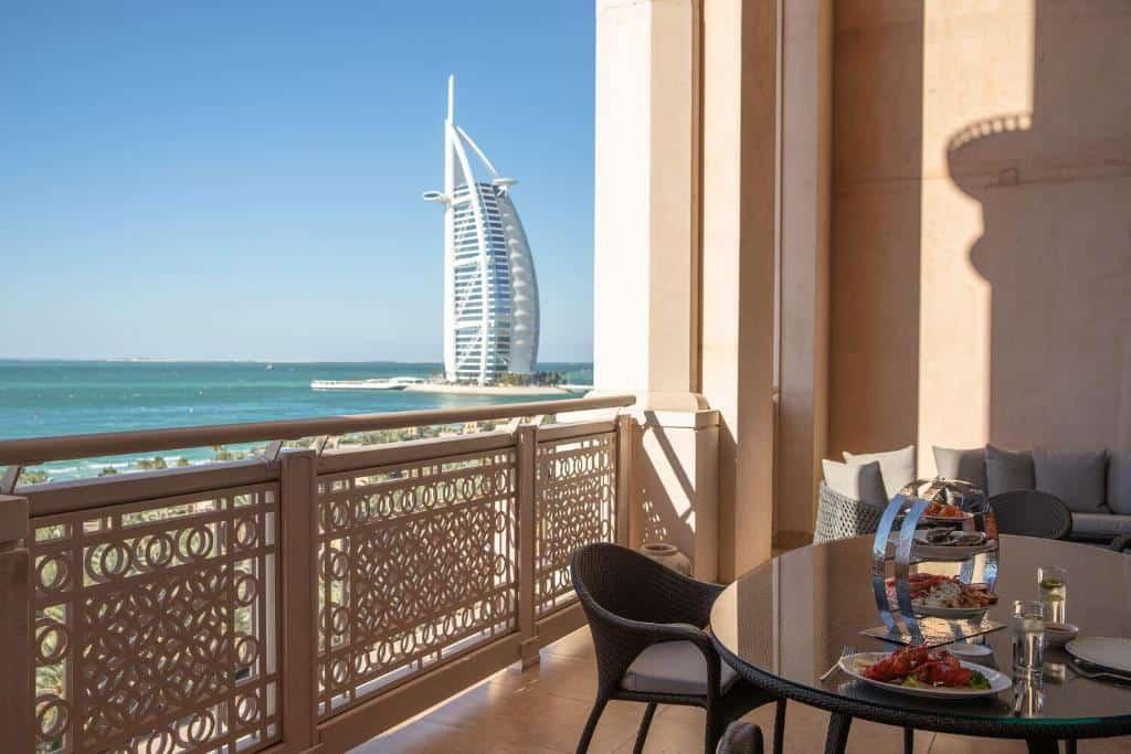 best beach hotels dubai al qasr balcony