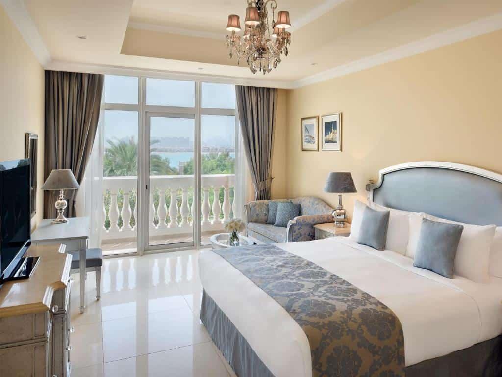 best beach hotels dubai kampinski room