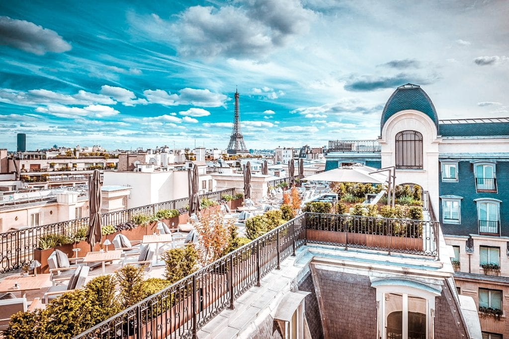 top 10 hotels view paris eiffel tower montmartre peninsula hotel