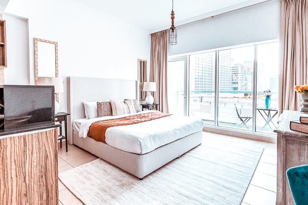 cheapest hotels dubai downtown Frank Porter Burj Al Noujoum