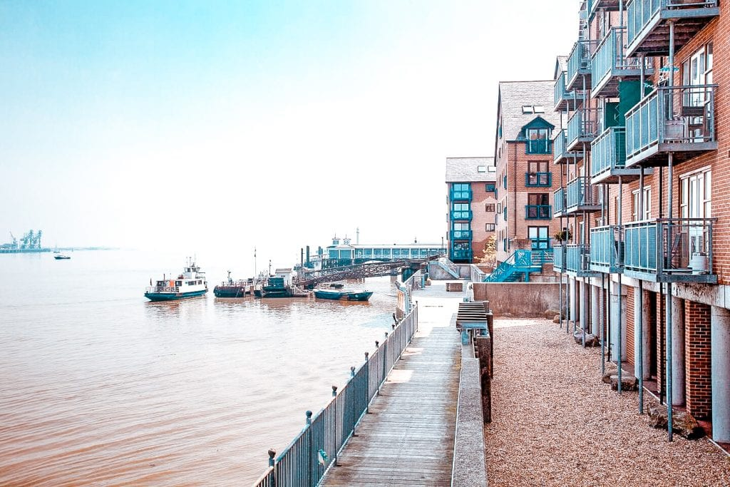 10 best places to stay hotel accomodation airbnb gravesend kent luxury 2 bedroom