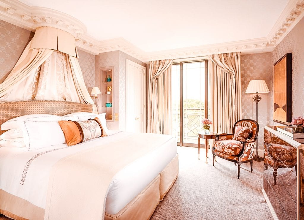 best places to stay hotels accomodation mayfair london the dorchester