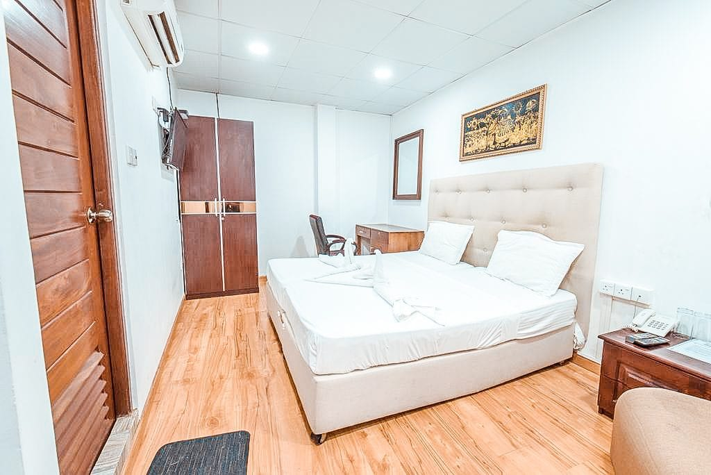 metro city hotel colombo review room