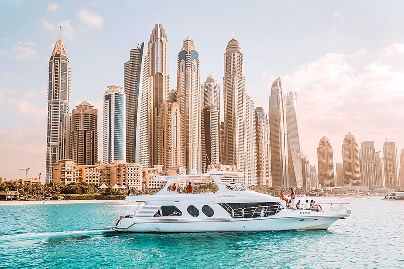 best luxury yacht tours in dubai hero