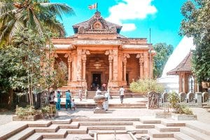 best temples to visit in colombo