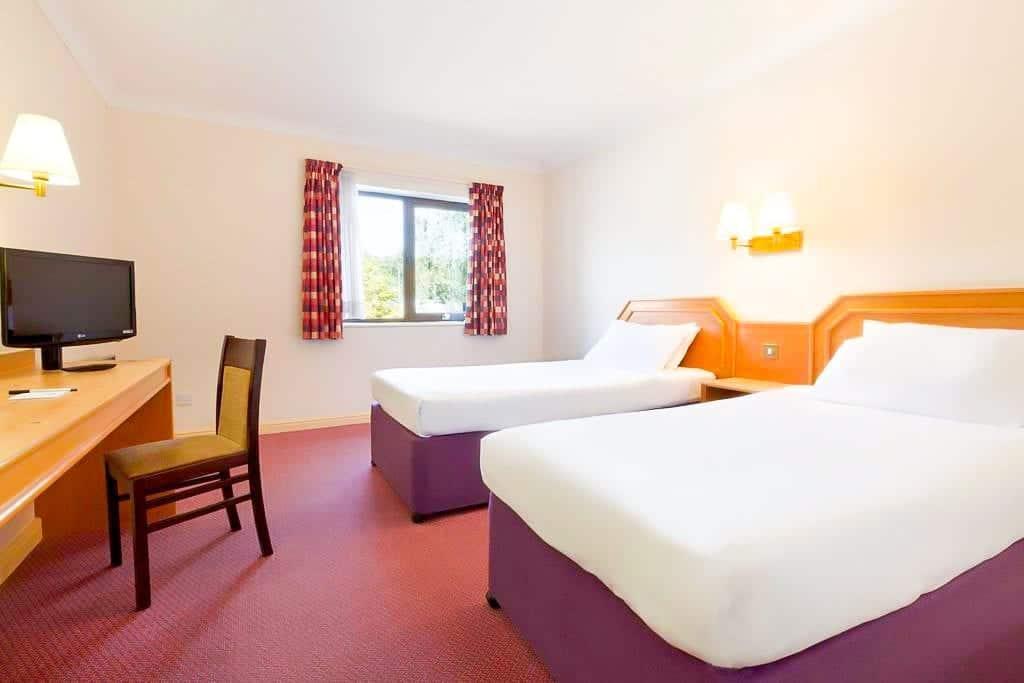 cheap budget hotel southampton Days Inn