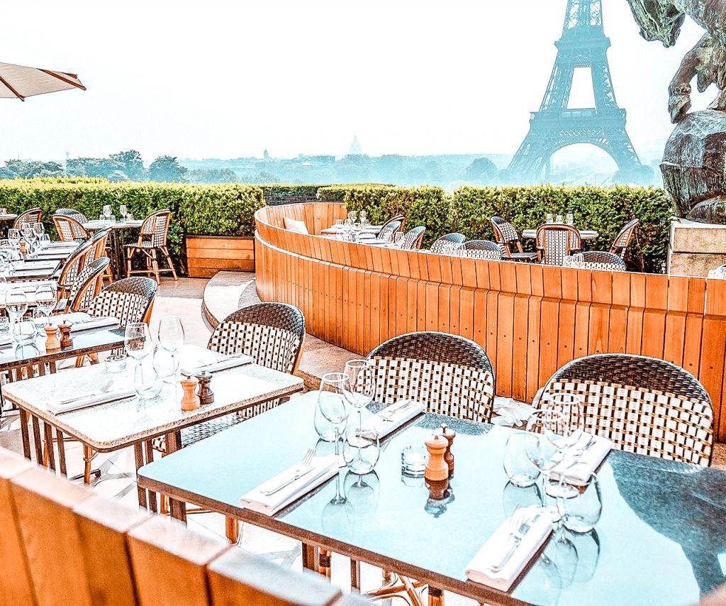best restaurants effel tower view cafe de l'homme