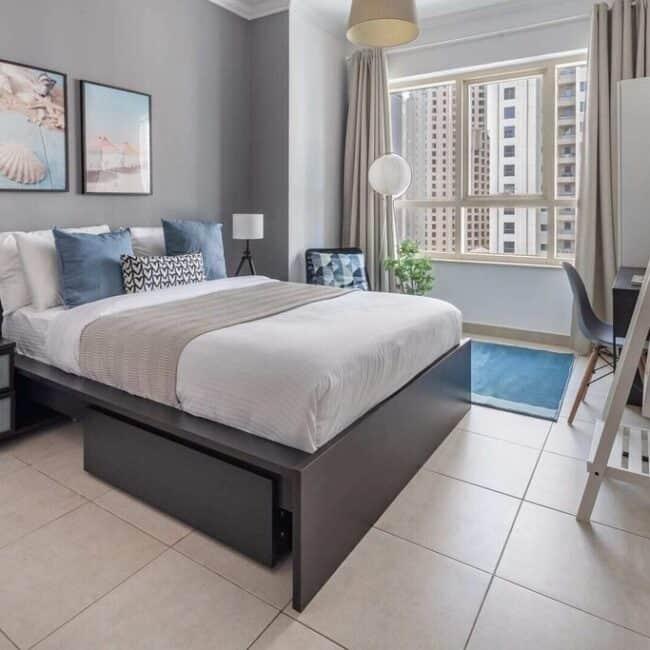best airbnbs dubai mall stylisch bed