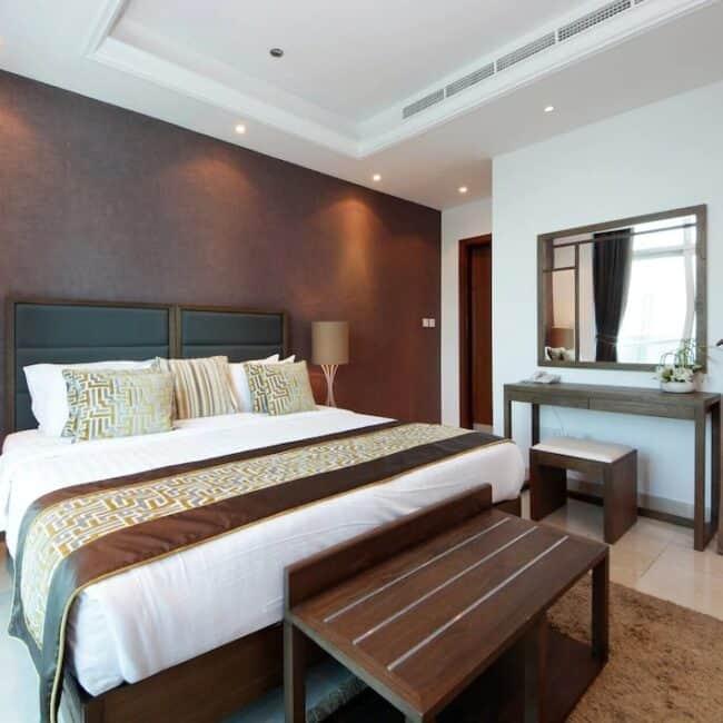best airbnbs dubai marina eyecatching bed