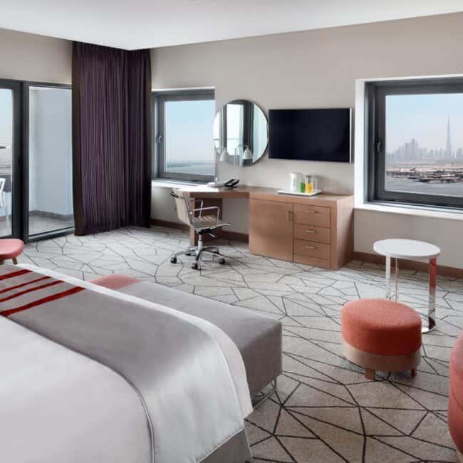 best pools dubai InterContinental Dubai Festival City room
