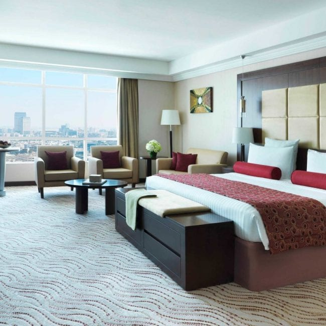 best pools in dubai Park Regis Kris Kin room