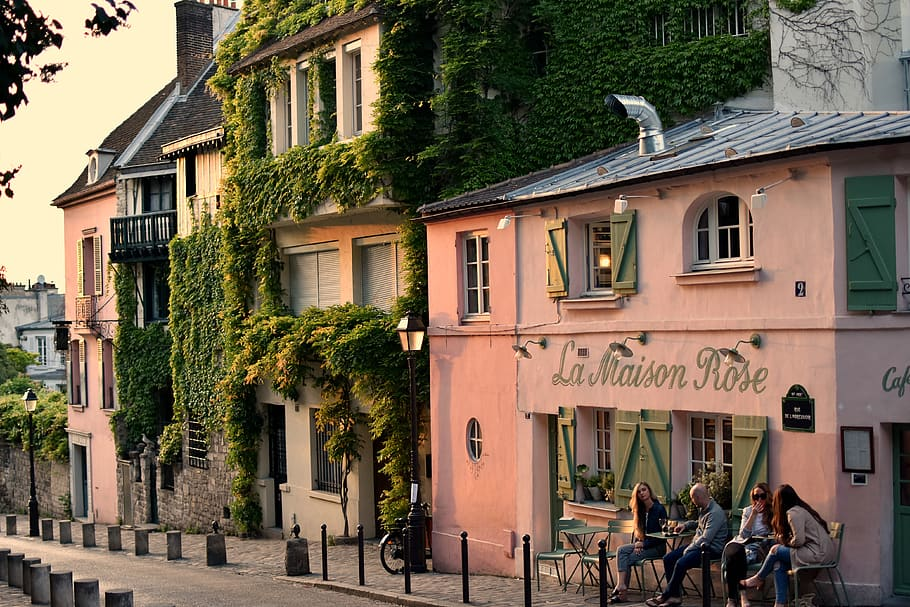 montmartre walking tours maison rose