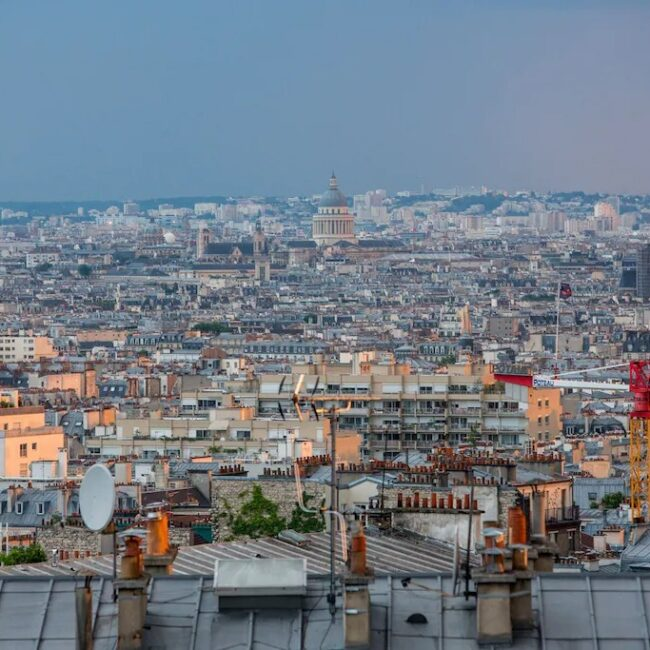 Best Airbnbs in Paris Eiffel Tower View budget apartment view