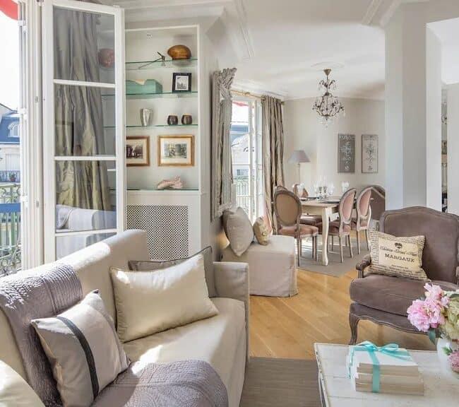 Best Airbnbs in Paris Eiffel Tower View lots of balconies living room