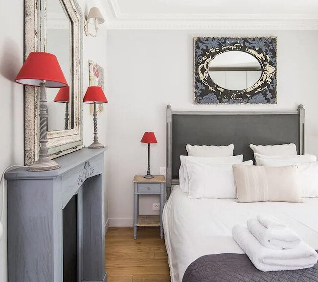 Best Airbnbs in Paris Eiffel Tower View outrageously romantic bedroom