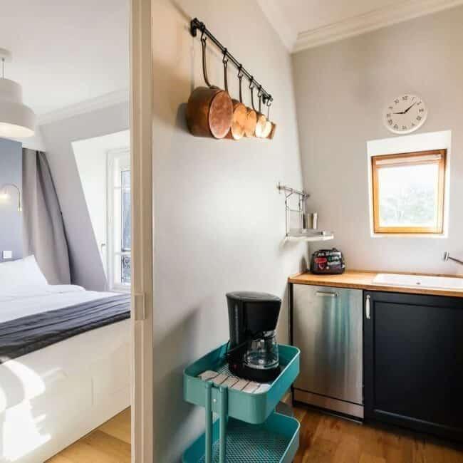 Best Airbnbs in Paris Eiffel Tower View romantic 1 br kitchen