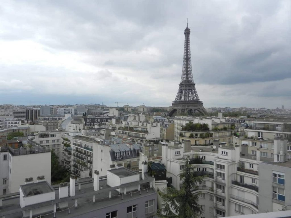 airbnb eiffel tower amazing view