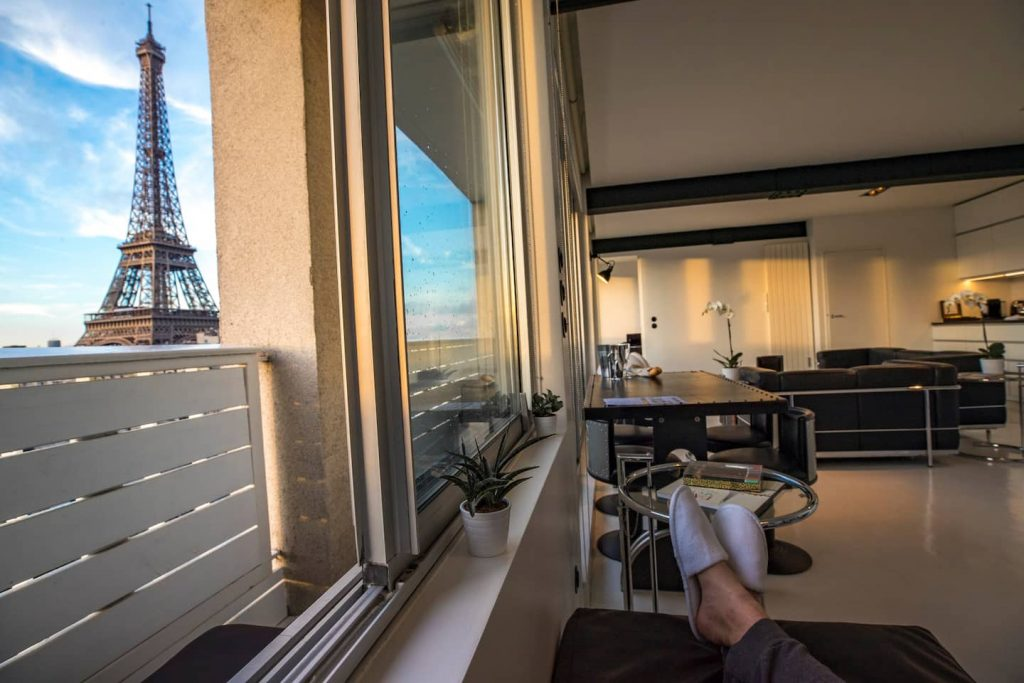 airbnb eiffel tower from balcony