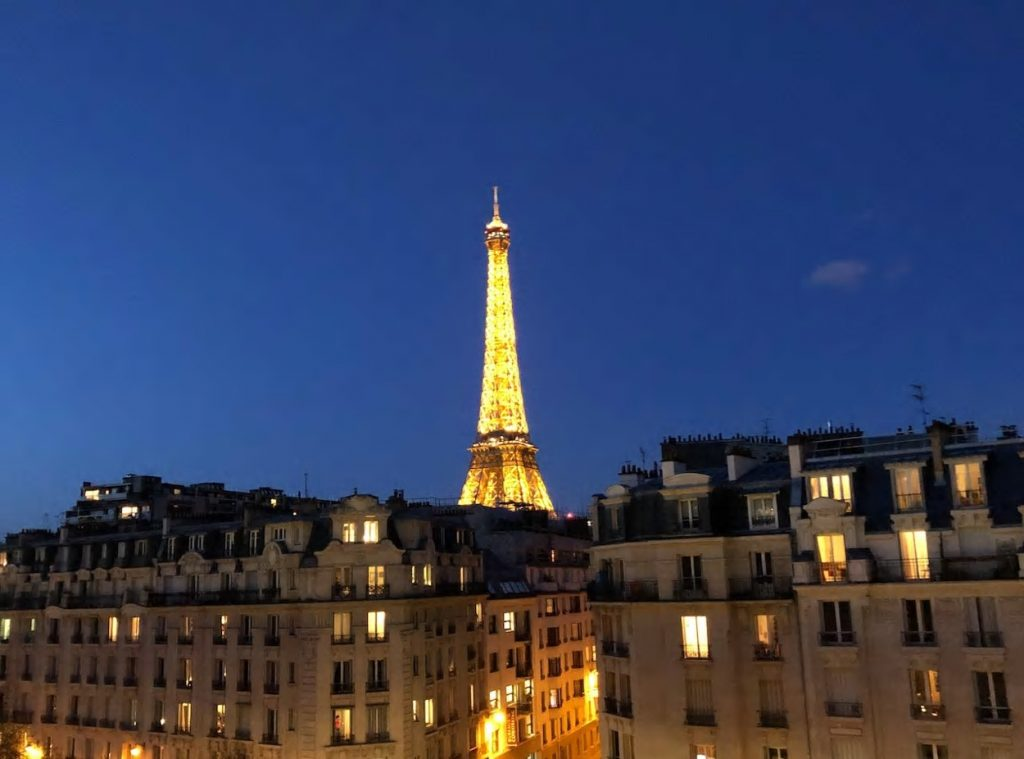 best airbnbs eiffel tower view apartment