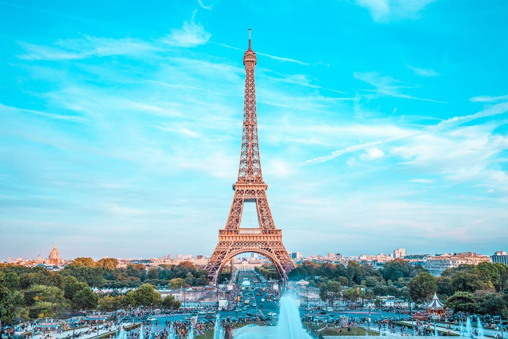 best airbnbs with a view of the eiffel tower hero