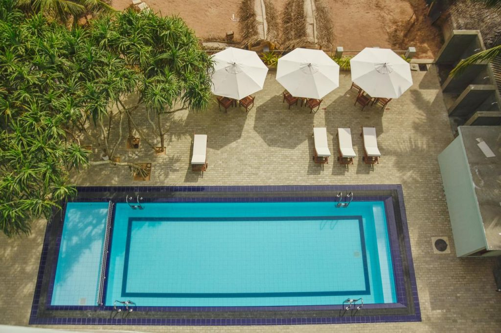 best beach hotels hikkaduwa Hotel Refresh Blue
