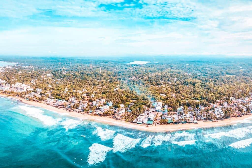 best beach hotels in hikkaduwa hero