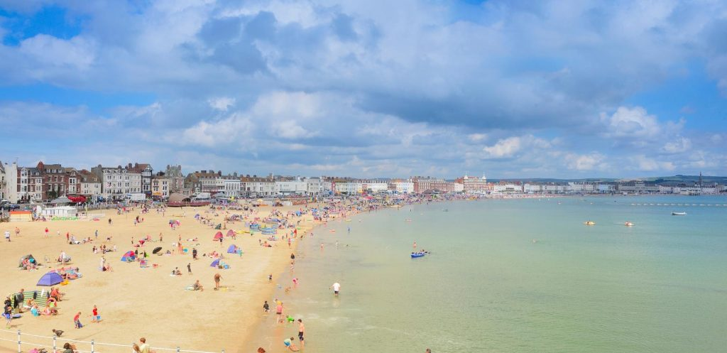 how to spend a day on weymouth beach walking