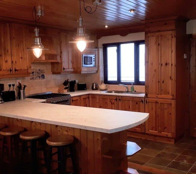 Best Airbnbs Killarney Quaint cottage kitchen