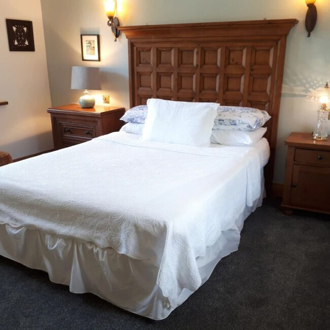 Best Airbnbs Killarney charming cottage bedroom