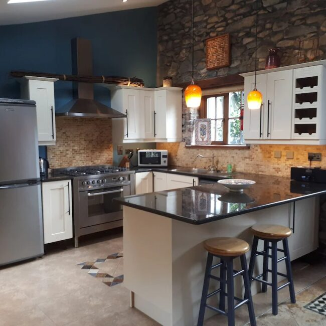 Best Airbnbs Killarney charming cottage kitchen