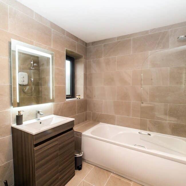 Best Airbnbs Killarney muckross road bathroom