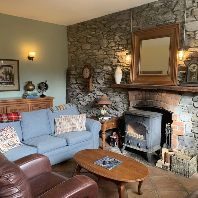 Best Airbnbs Killarney spectacular cottage living room
