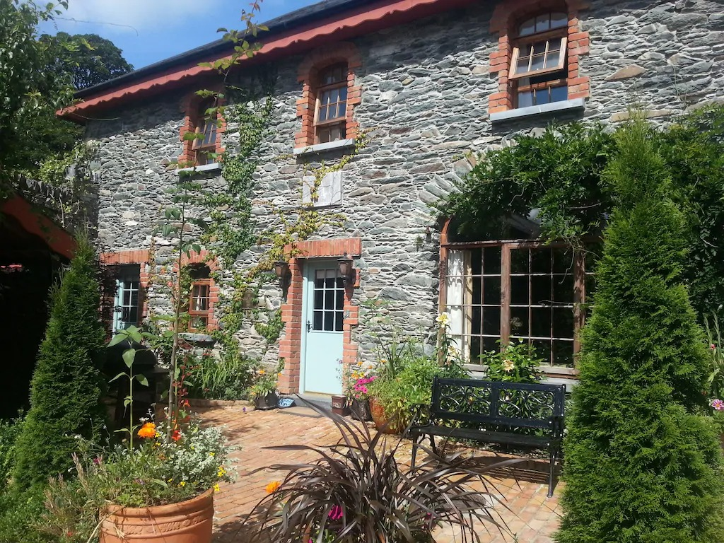 Best Airbnbs Killarney spectacular cottage