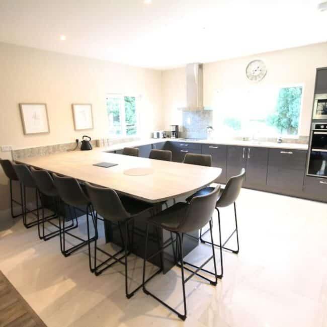 best Airbnbs Killarney Dormhale kitchen