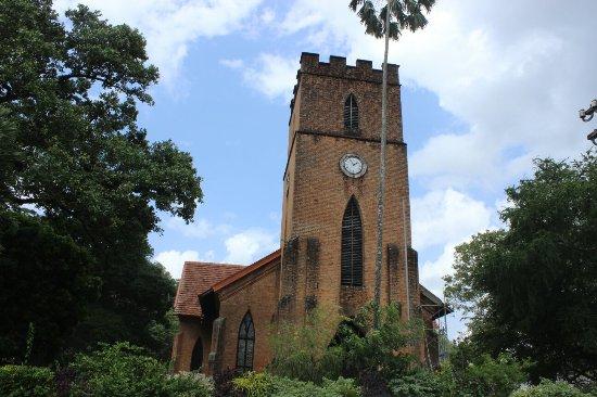 things to do kandy st pauls church