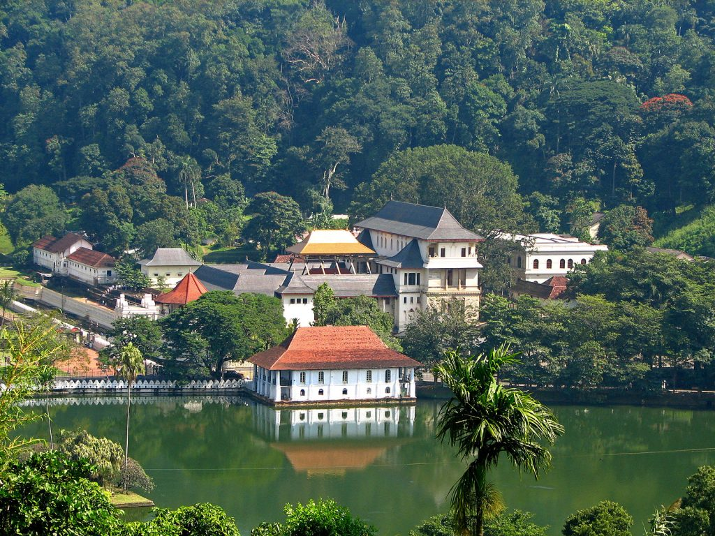 things to do kandy temple tooth