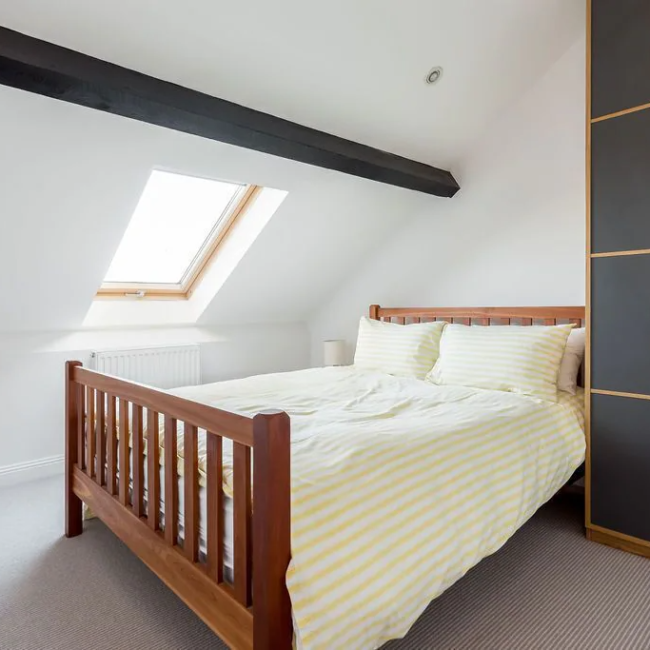 Best airbnbs in Bournemouth spectacular penthouse bedroom